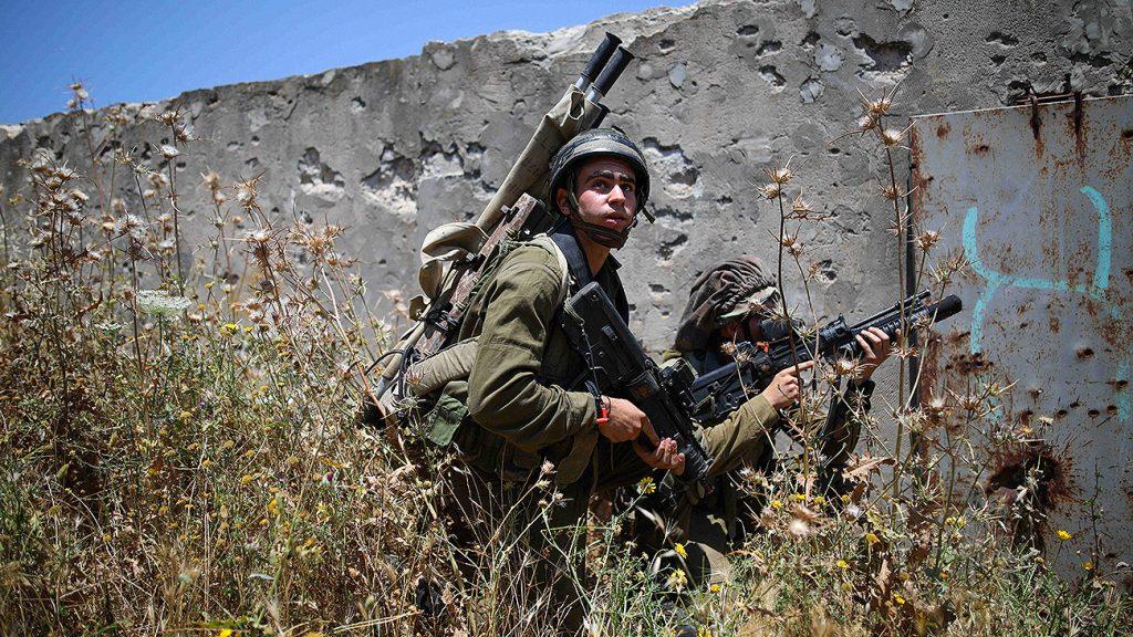 Израильские военные обстреляли позиции солдат правительственной армии Сирии