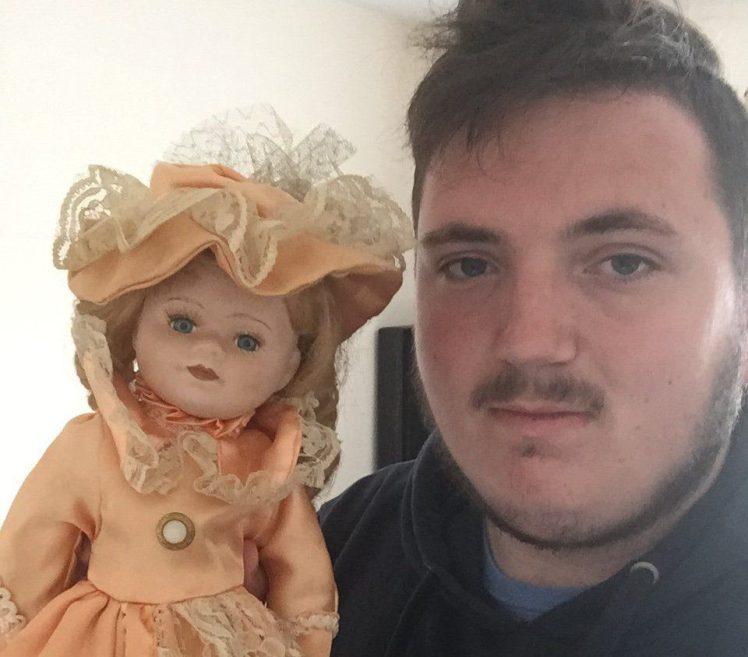 Британец рассказал о кукле, …