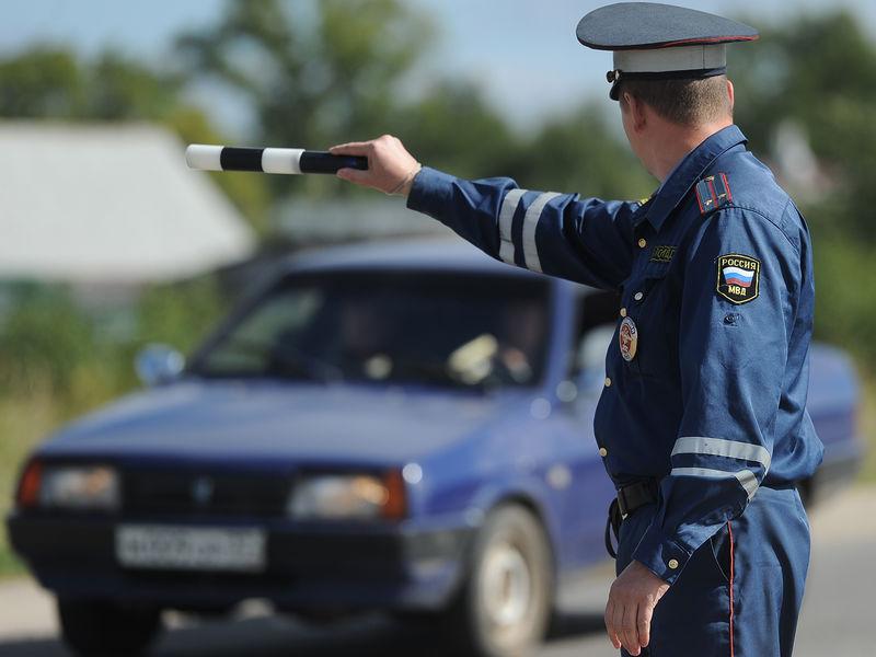 Инспектор ДПС выявил люфт рулевой рейки органолептическим методом