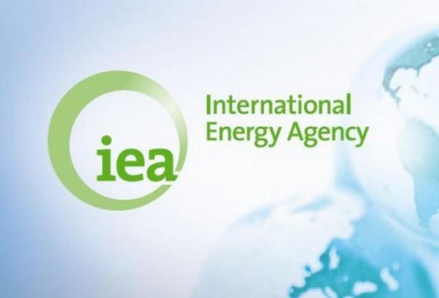 МЭА: Мировой рынок нефти жде…