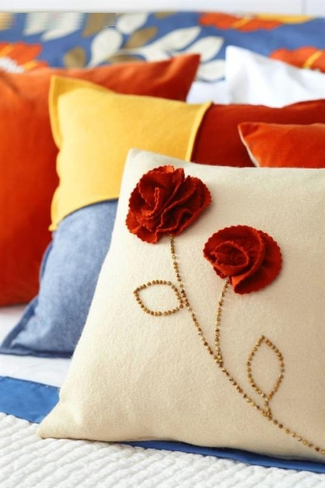 Цветы из ткани для подушек