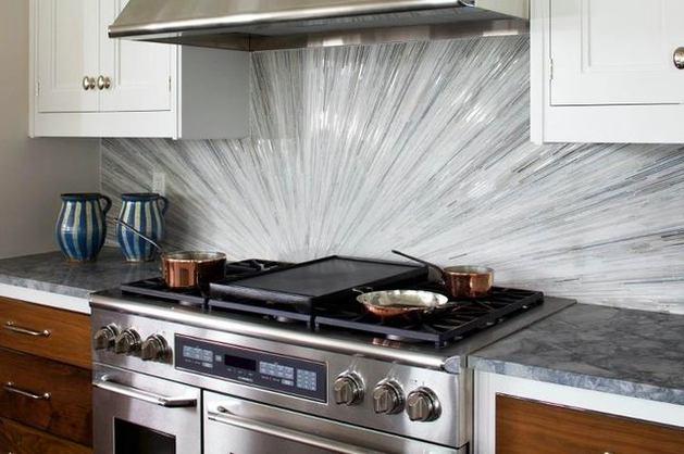 Кухня в цветах: черный, серый, светло-серый, белый, темно-коричневый. Кухня в стилях: эклектика.