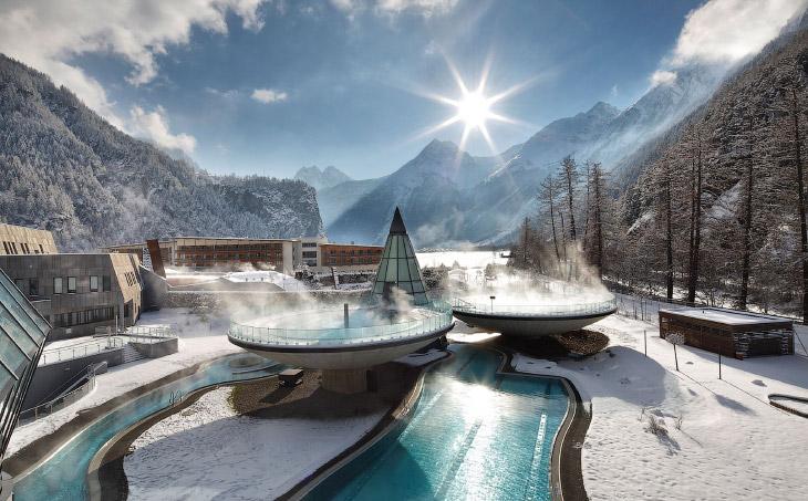 Горячие ванны и бассейны мира для полного релакса