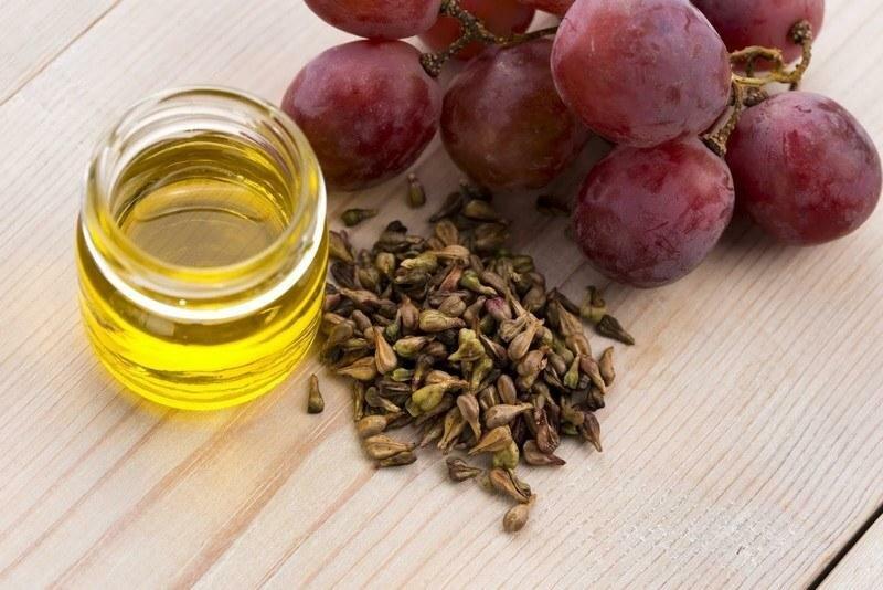 Кроме пользы самих косточек винограда, широко используется масло виноградных косточек