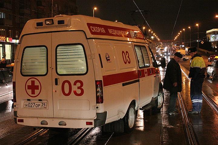 На юго-востоке внедорожник протаранил такси - пассажира увезли в больницу