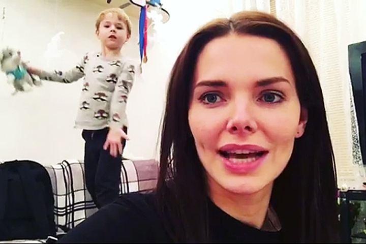 Лиза Боярская впервые поделилась видео со своим сыном