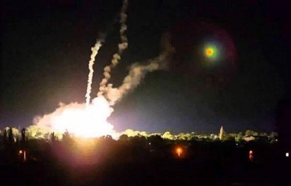 ВСУ обстреляли пригород Донецка зажигательными боеприпасами
