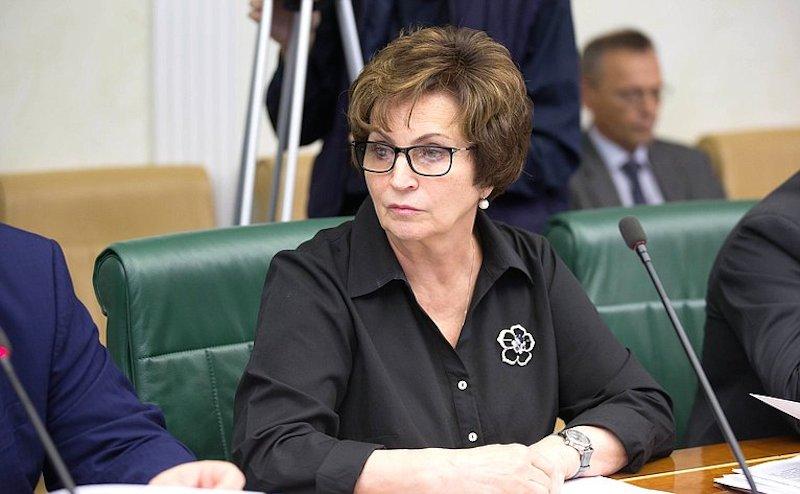 Сенатор Екатерина Лахова пос…