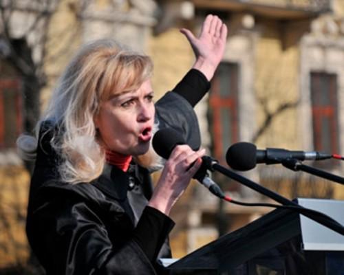 Фашист в юбке призвала стрелять «существа» юго-востока Украины
