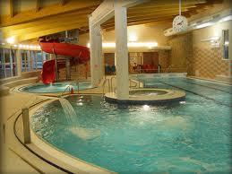 В Карловых Варах новый бассейн с аттракционами