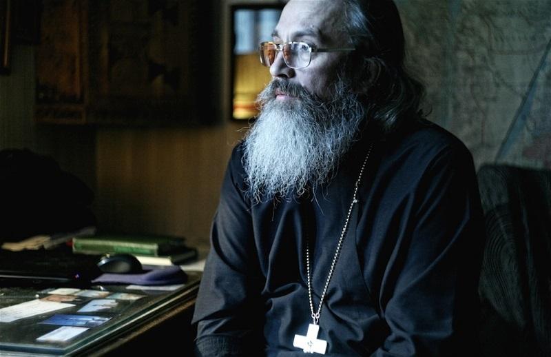 «Мне никогда не забыть, как однажды по вызову наша бригада приехала к пожилому священнику, которого свалил инфаркт…»