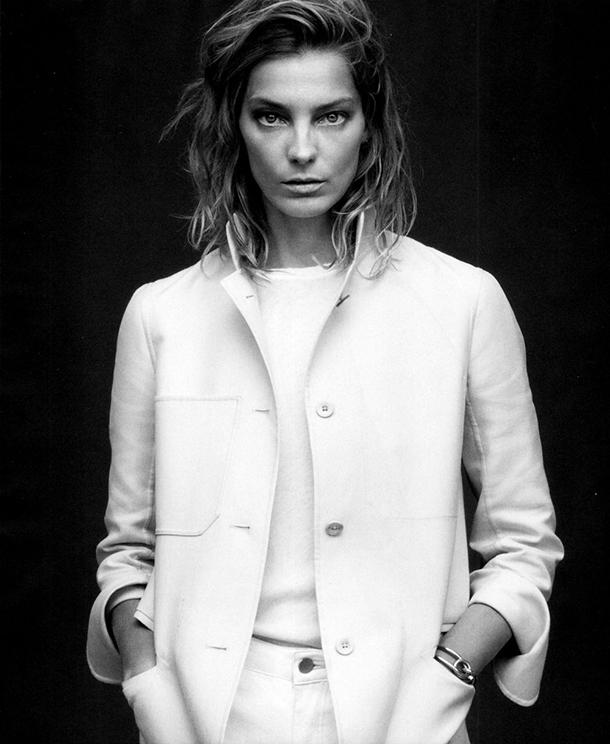 Белый пиджак. Это все о нем