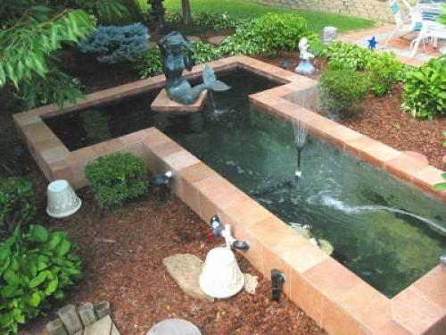 Искусственный водоем, построенный своими руками, неправильной формы