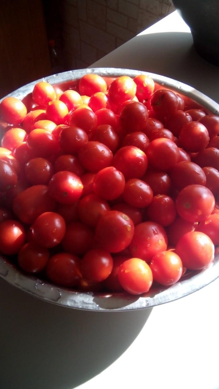 Помидоры в томатной заливке