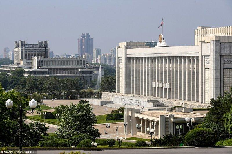 """Дворец съездов """"Мансудэ"""", место заседания северокорейского парламента Пхеньян, дворец, ким чен ын, лидер партии, лидеры государств, резиденция, репортаж, северная корея"""