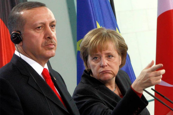 Эрдоган и Меркель осадили Тр…
