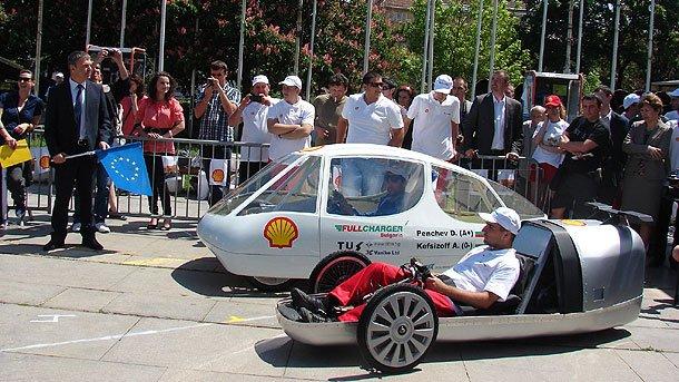 Болгарские студенты участвуют в международном соревновании по созданию энергоэффективного автомобиля