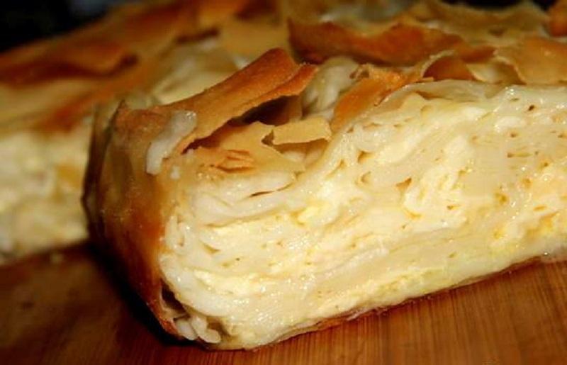 Рецепт на выходные. Слоеный сырный пирог сабурани