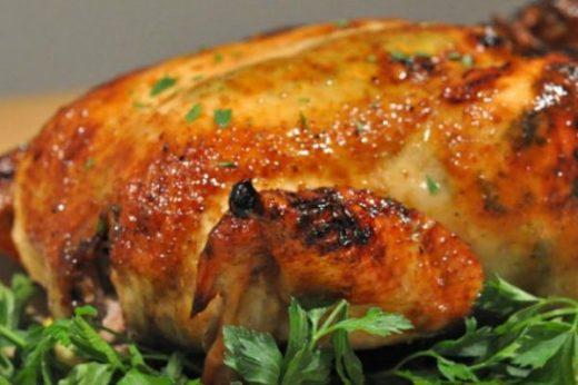 Чем натирают курицу шефы: 5 трюков, которые сделают запечённую курицу божественно вкусной!