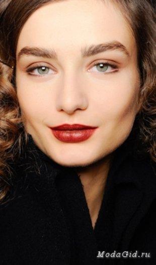 Модные варианты зимнего макияжа 2013-2014