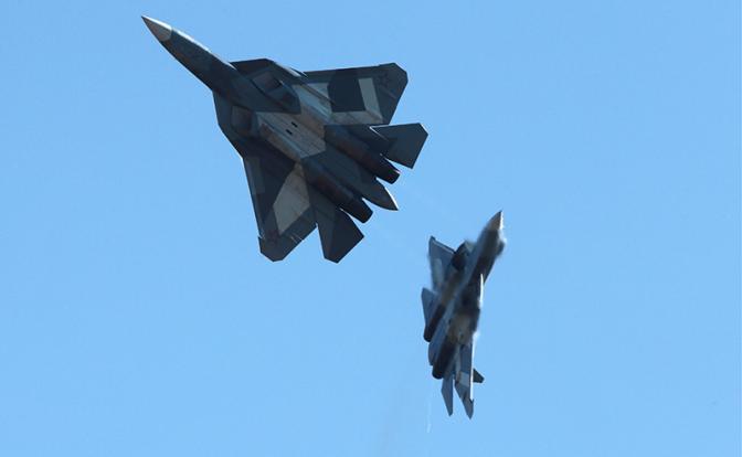 НЕХИЛО: Лондон: Су-57 будет удирать от F-35, как кошка от собаки