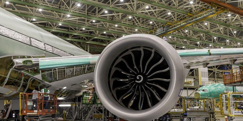 Самые большие реактивные двигатели установлены на самолет