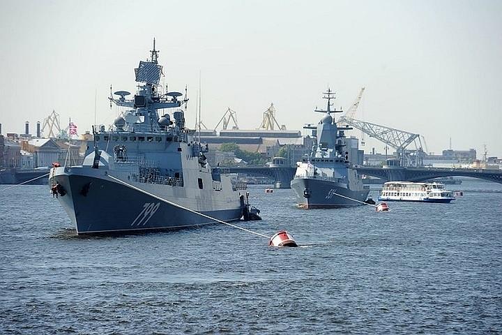 Фрегат «Адмирал Макаров» отправился из Севастополя в Средиземное море