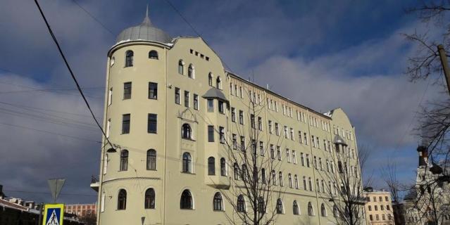 Петербуржцы добились ремонта дома Станового
