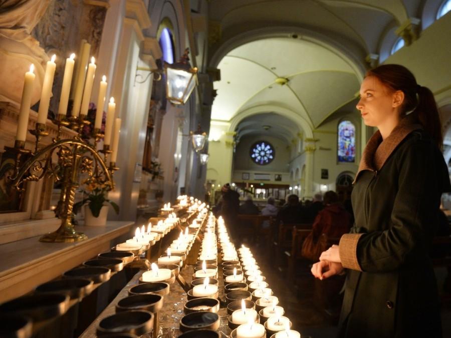 Можно ли ставить свечи в католических храмах?