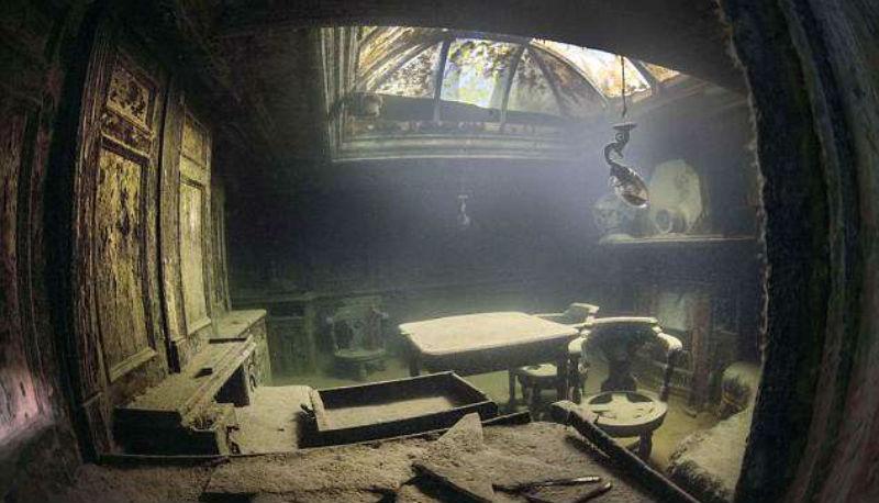 Завораживающие фотографии затонувшего корабля
