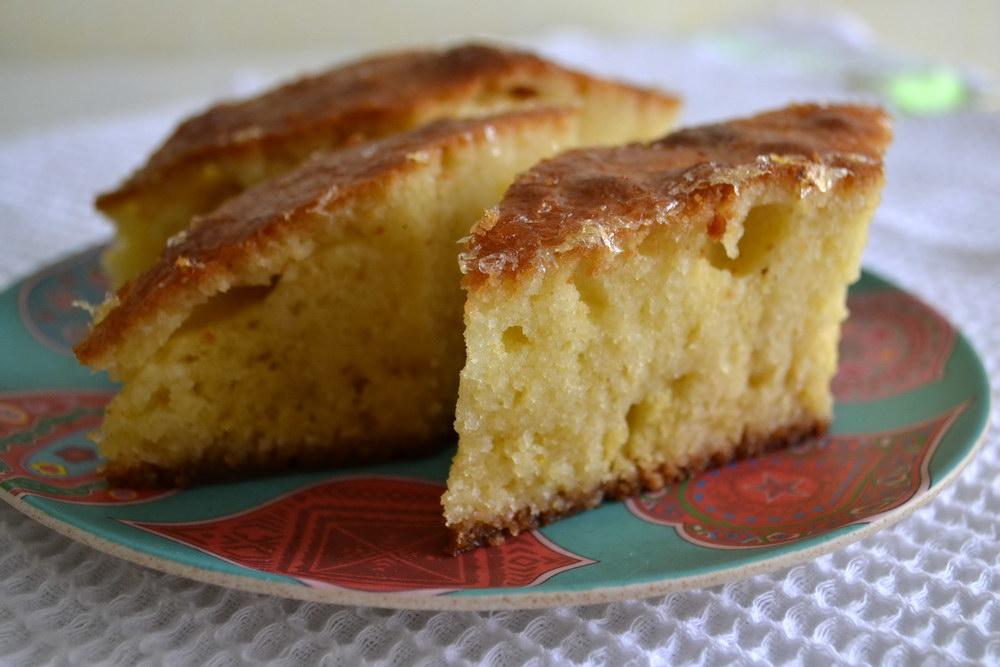 Маленькие пирожные, пропитан…