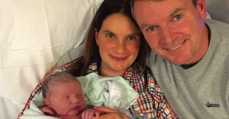 42-летняя женщина родила своего 20-го ребенка! Вот как выглядит их обычный семейный обед…