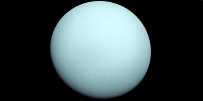 Почему Уран такой странный?