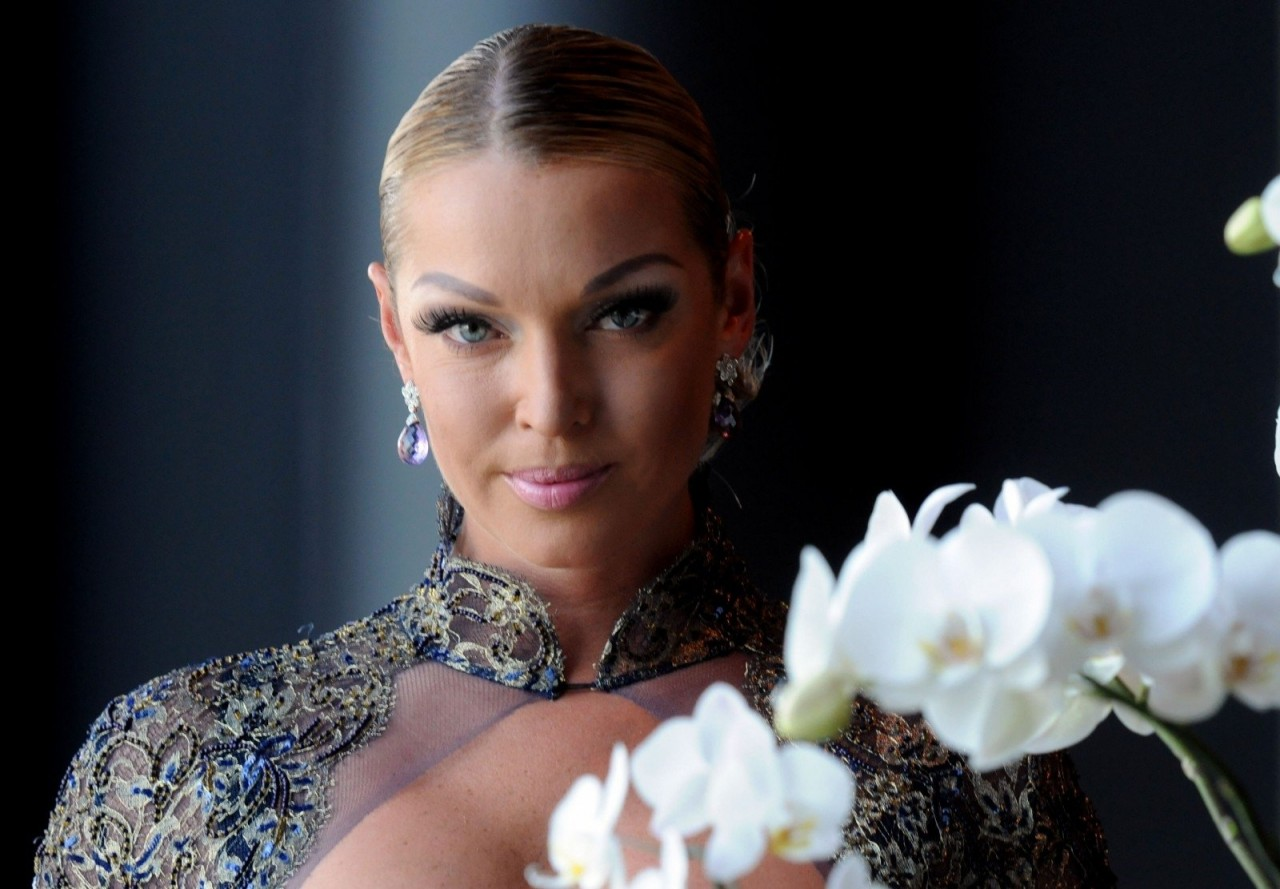 Анастасия Волочкова станцева…