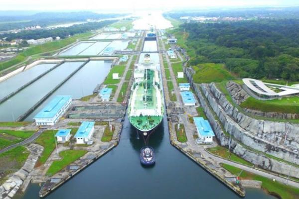 Юбилейным судном Панамского …