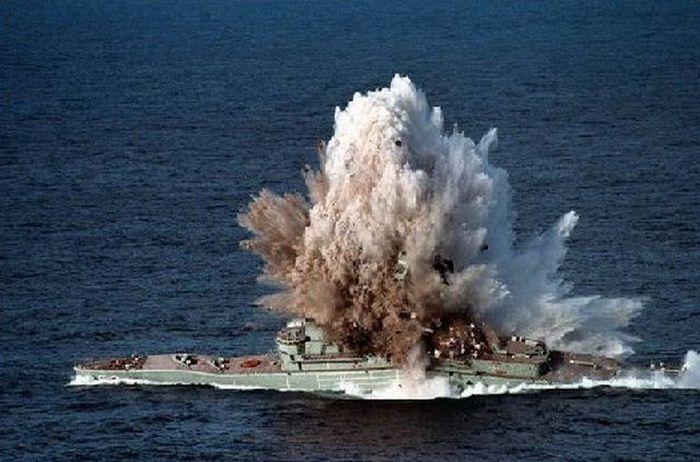 Немецкий фрегат подорвала собственная ракета (Видео)