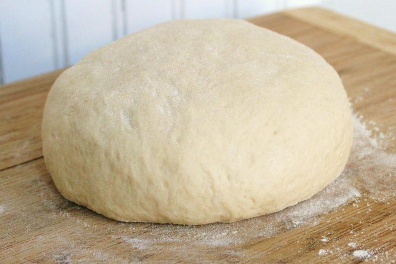 Тесто на кефире для пирожков на сковороде — 8 рецептов