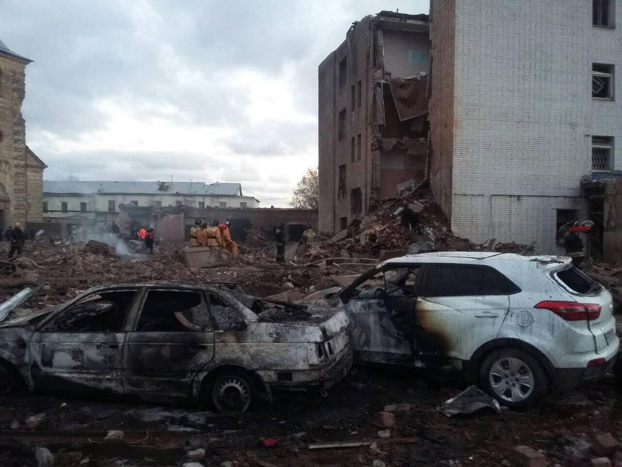 Число погибших на заводе в Гатчине возросло до трех