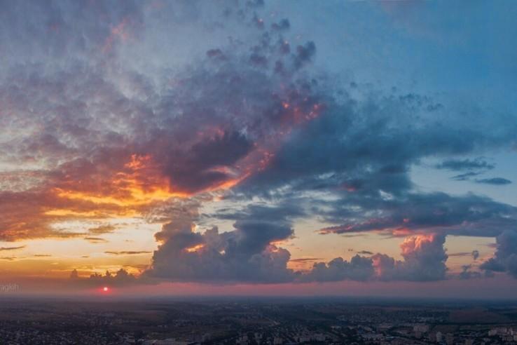 Жаркие дни в Крыму разбавит непогода