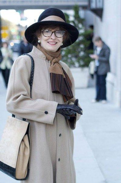 Верхняя одежда для женщин за 50: пуховик, пальто или куртка?
