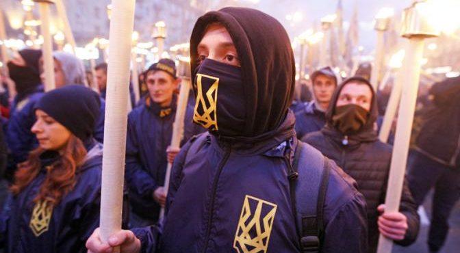 Две Украины: Кто с Жуковым, а кто — с Бандерой