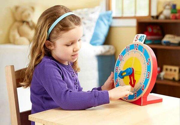 Как научить своего ребенка быстро определять время на часах