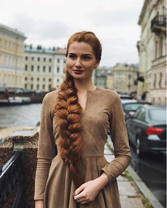 В инстаграме Анастасии более 300 тысяч подписчиков. Instagram sidorovaanastasiya.