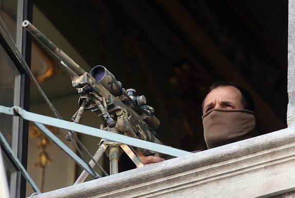 Снятое на прицел видео уничтожения снайпером ДНР военных ВСУ появилось в сети