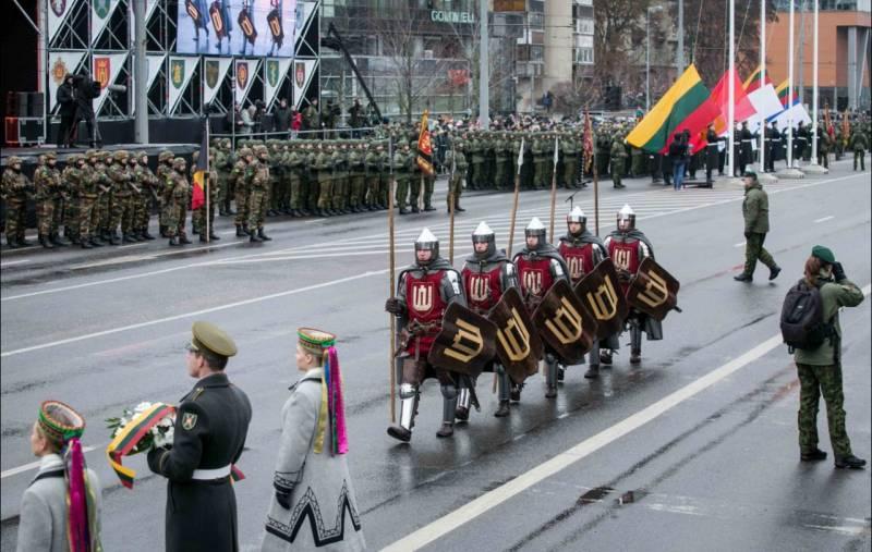 Литва собирается строить вое…