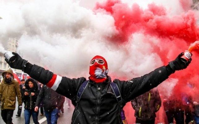 Тысячи поляков восстали против Киева: «Куриное филе с косточкой из Украины приводит к гибели наших семей»