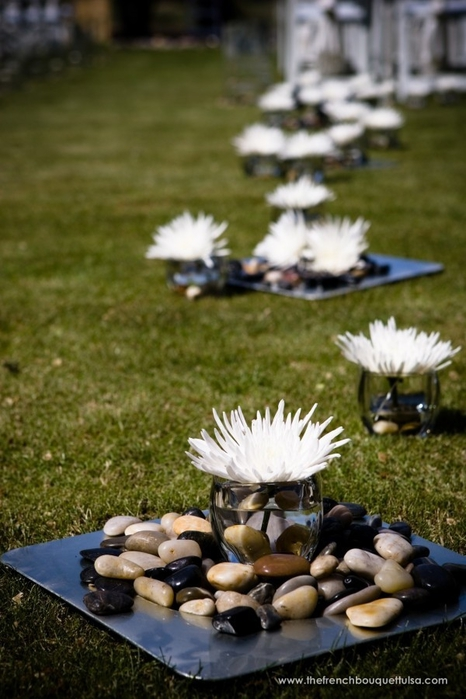 Chera-Kimiko-Wedding-Aisle-Runner-of-Square-Silver-Plates-with-River-Stones-and-Small-White-Spider-Mums-in-Votives-The-French-Bouquet-The-Golf-Club-of-Oklahoma-Zinke-Design-Chris-Humphrey-Photographer (466x700, 221Kb)