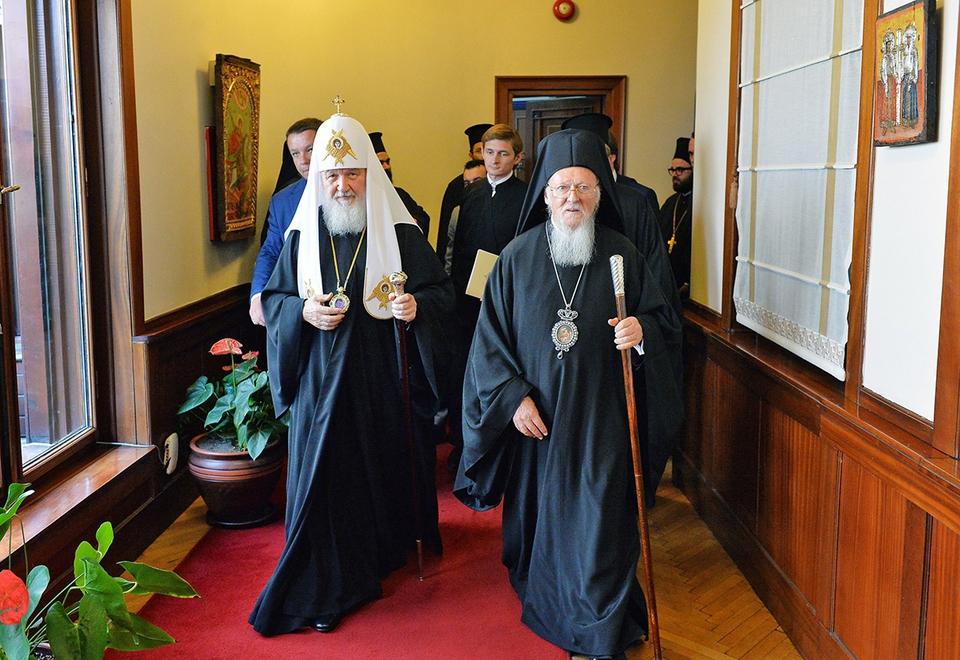 РПЦ вводит санкции против Ко…