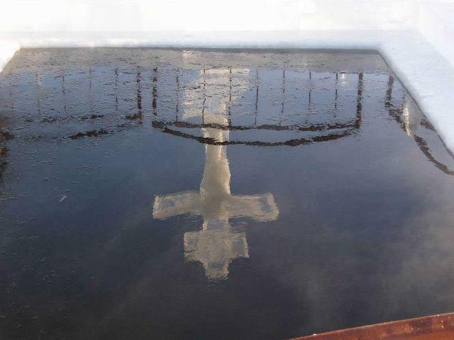 святая вода, вода, Тайны религий, Загадка Святой воды, В январе христиане всего мира празднуют Крещение