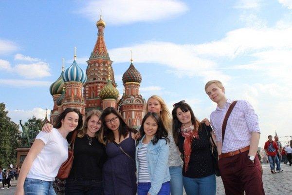 Запад обижен: иностуденты становятся на сторону России